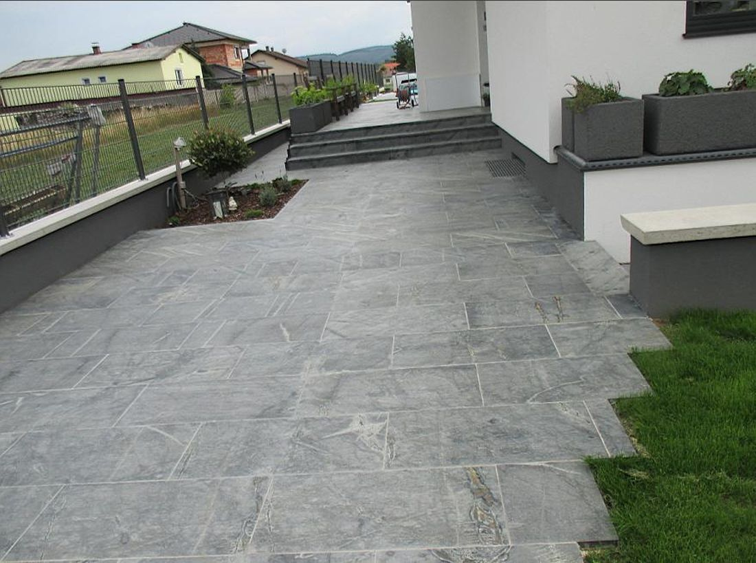 Tufa Gray patio