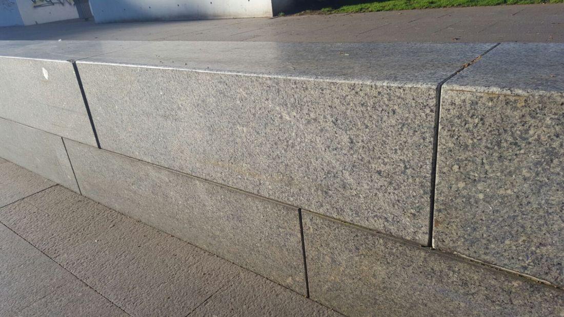 azul platino seat wall